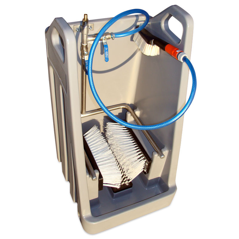 Boot cleaner with collection tray to collect and drain dirty water