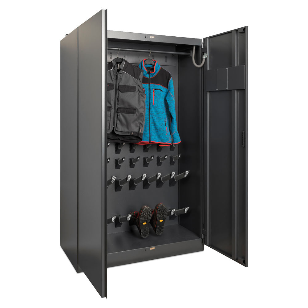 Warm air drying cabinet for up to 8 sets of ski clothing