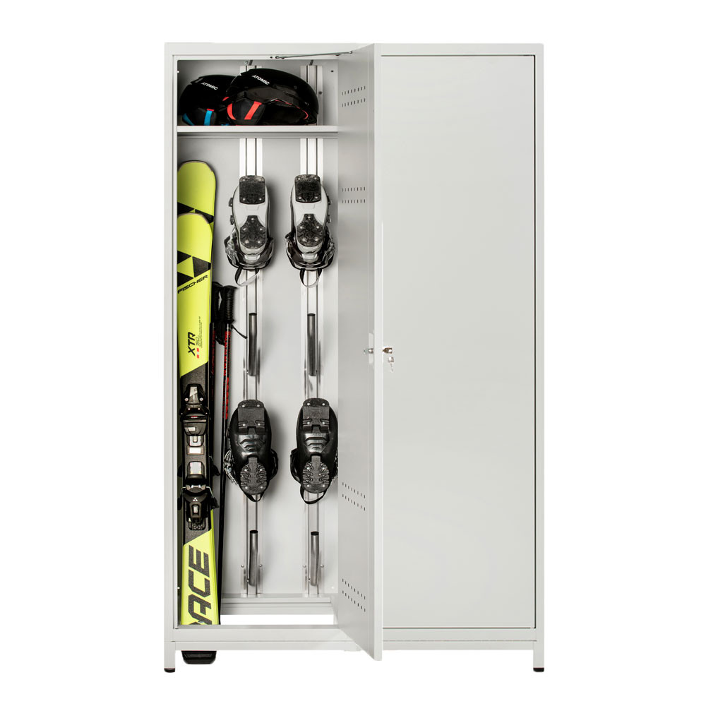 Praxtical storage of skis, ski boots and ski poles with the electrically heated ski cabinet 400
