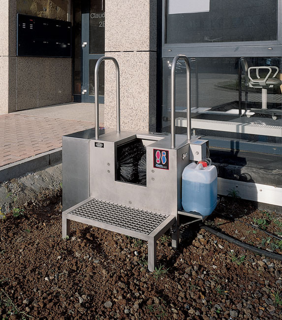 Electric boot washer ideal for tough industrial use or for the building industry