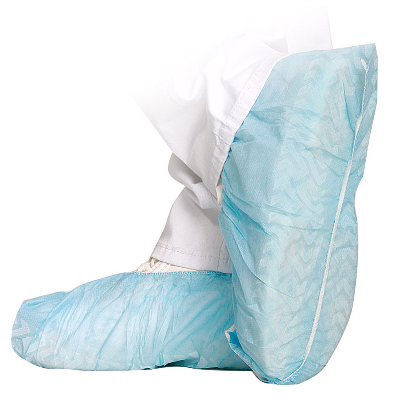 Breathable overshoes with non-slip sole that are very tear-resistant and confortable and thus well-suited for hospitals